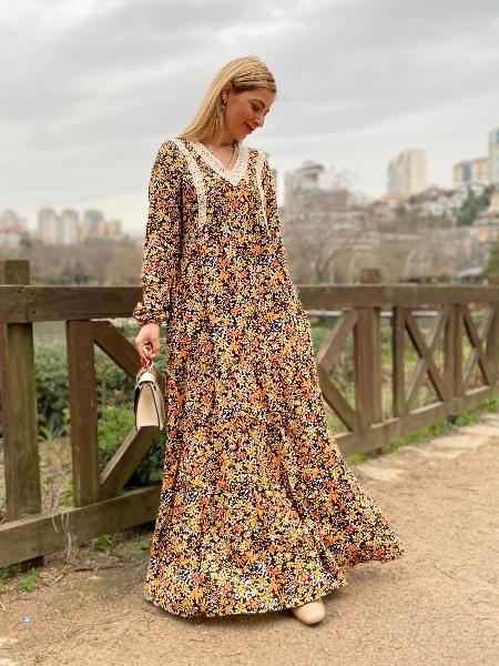 Yaka İşlemeli Viskon Elbise